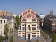 De Stadsschouwburg en de De Oosterpoort